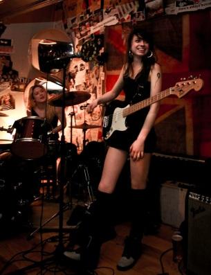 Zoe, Hannah Logic