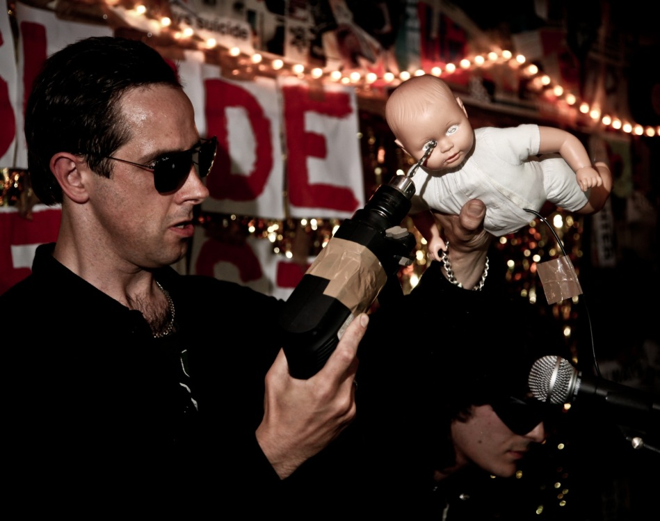 Dave Mankind meets Analogue baby